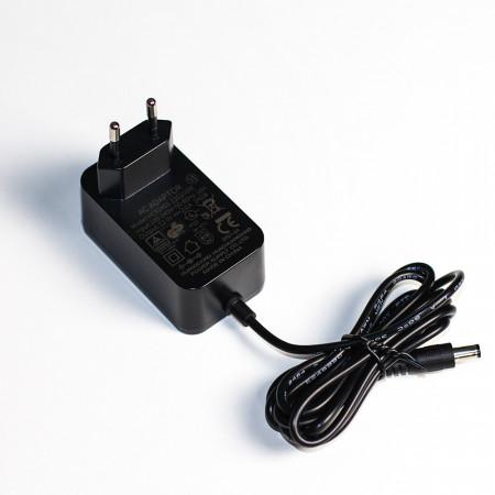 Адаптер для зарядки батарей автохолодильников